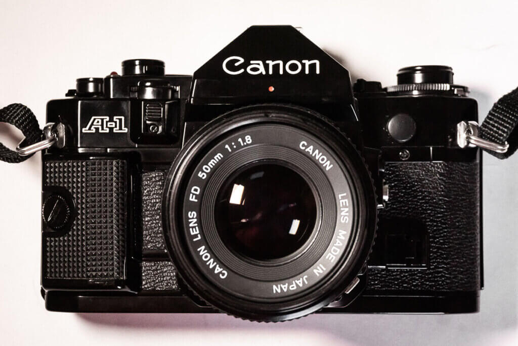 Canon A-1 vista frontal